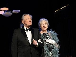 Petr Kostka a Carmen Mayerová v představení Oscar pro Emily