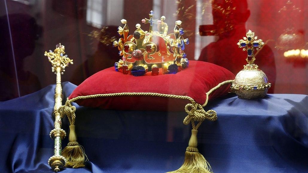 758dd17f7 Na zámku Kozel je k vidění výstava o korunovačních klenotech a období ...