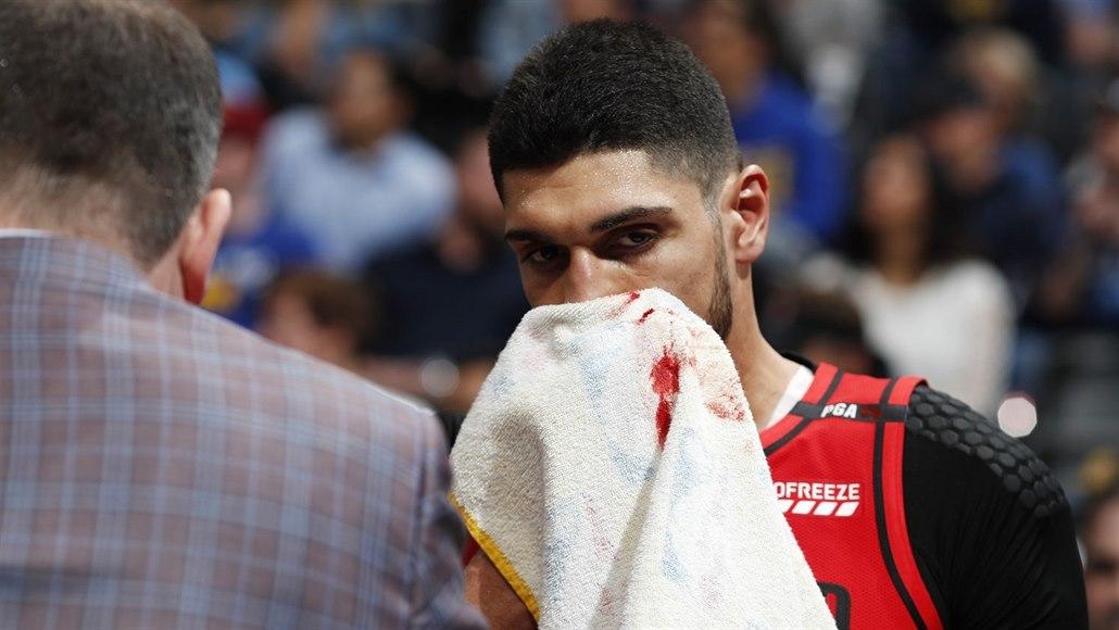 """V Turecku přestali vysílat NBA. Pohled na """"teroristu"""