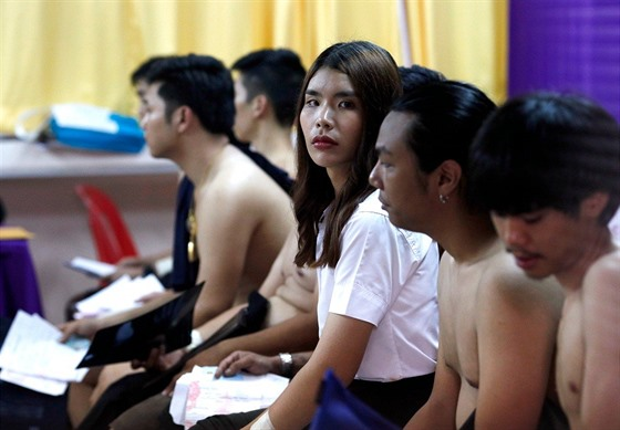 f10e4dbb0dcc Transsexuálům v Číně nepřejí. Někteří si zkoušejí změnit pohlaví ...