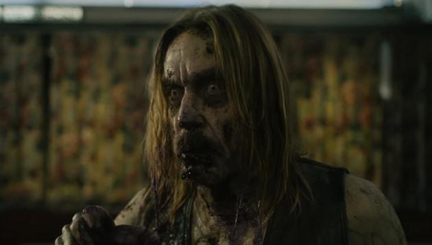 Mrtví neumírají. Režisér Jarmusch proměnil Iggyho Popa v zombie