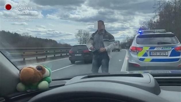 Zastavení řidiče na základě údaje z tachometru bylo podle policie přiměřené