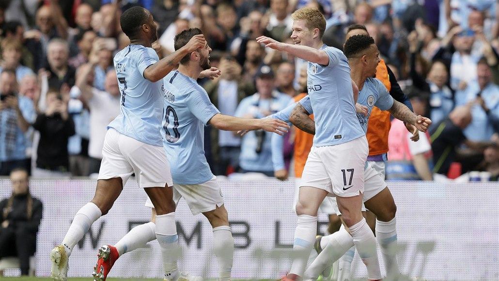 6:0. Manchester City ve finále poháru zesměšnil Watford a získal treble