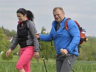 Turisté na samotě Roháč u Neveklova na trase 54. ročníku Pochodu Praha -...