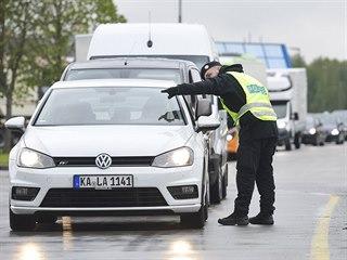 Česká policie zahájila v Rozvadově na hranicích s Německem cvičení, při němž...
