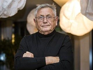 Slavný český režisér Jiří Menzel dorazil do Velkých Karlovic na degustační...