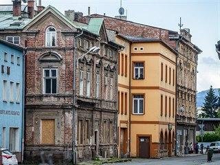 Soukenická ulice pod klášterem v Broumově (10. 5. 2019)