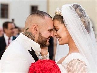 """Patrik """"Rytmus"""" Vrbovský a Jasmina Alagič se vzali 18. května v Pezinku."""