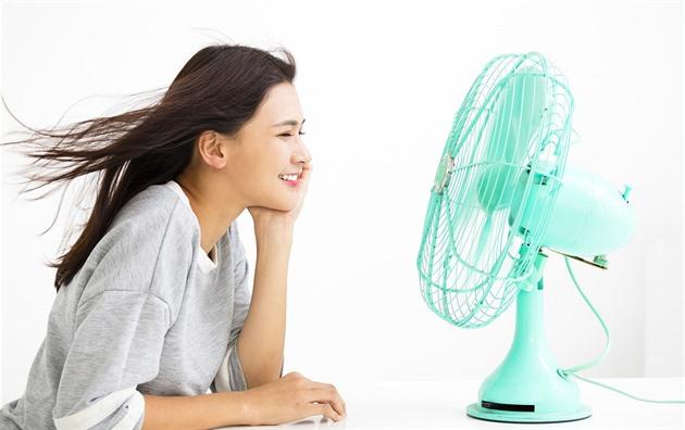 Češi se chtějí zchladit. Zájem o větráky a klimatizace rekordně roste
