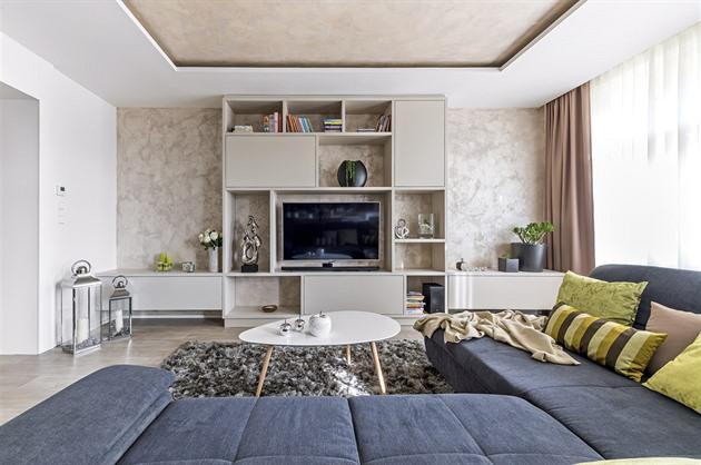 Byt v secesním domě se po rekonstrukci proměnil na moderní bydlení