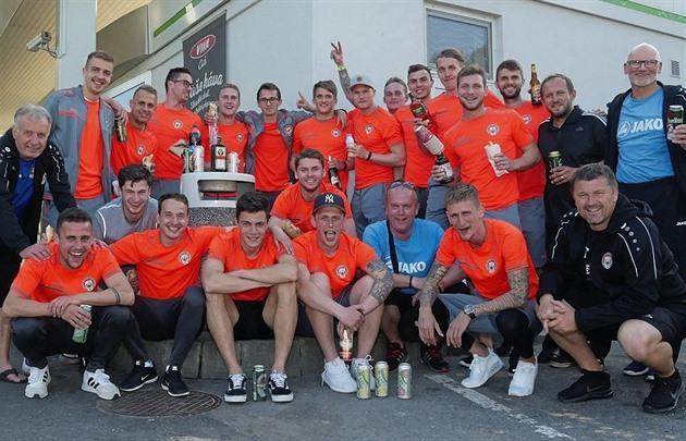 Záchranu ve druhé lize v Chrudimi slavili jako titul v ČFL