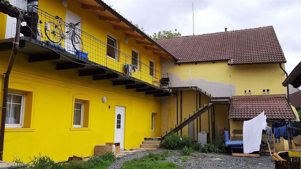 Image result for nelegální ubytovny