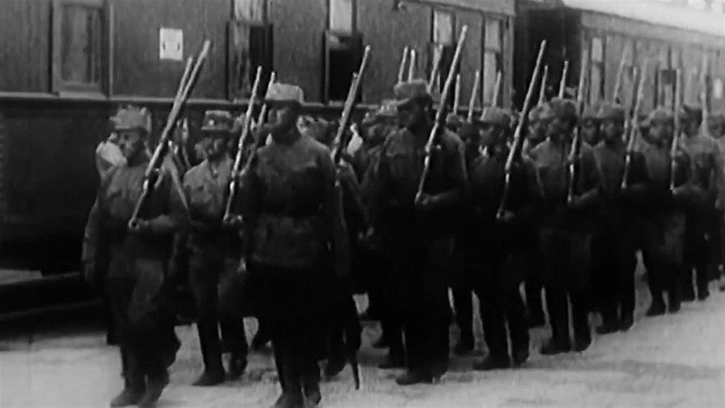 Dostaňme československé legionáře do vlasti, žádali poslanci