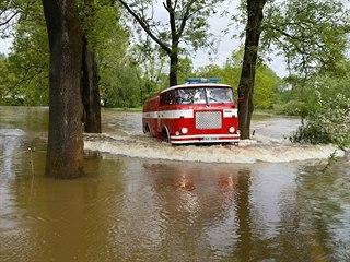 Voda ze Smědavy a ze sousední Smědavské hory se valila hlavně na Bílý Potok a...