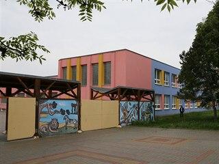 Základní škola Za Chlumem Bílina, kde se odehrál incident mezi dvanáctiletou...