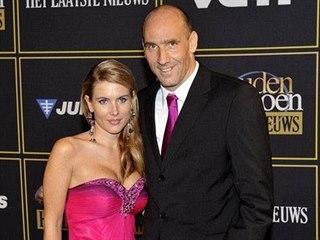 Jan Koller s manželkou Hedvikou na belgické Zlaté kopačce (2011)