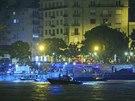 Záchranné složky vyšetřují okolnosti nehody, během níž se na řece Dunaji v...