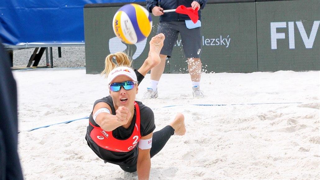 Sluková s Hermannovou v boji o olympiádu prohrály s Lotyškami