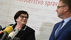 Benešová chce Zemanovi snížit plat na půl roku. Nenahlásil možný střet zájmů