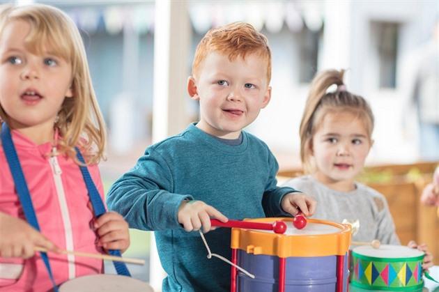 Poslanci přiklepli peníze dětským skupinám, jesle z nich nebudou