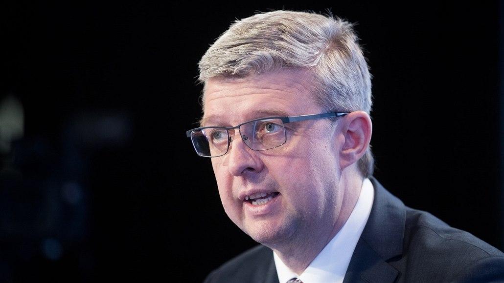 Zakázka na IT systém k dálničním známkám se zruší, řekl ministr Havlíček