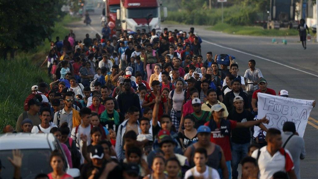 Mexické úřady zadržely čtyři kamiony plné migrantů, bylo jich téměř 800