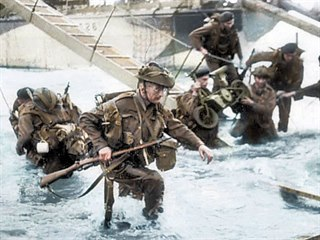 Byla to gigantická operace, největší invaze po vodě i ze vzduchu, v dějinách....