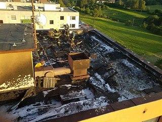 Tuto zkázu napáchal v pondělí požár na střeše domu v České Třebové. (4.6.2019)