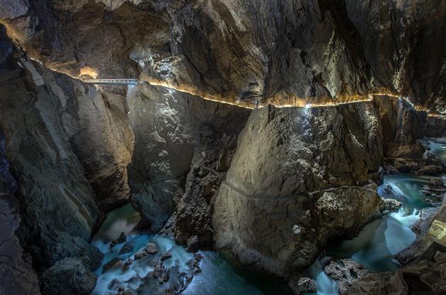 Slovinská cesta do Mordoru. Škocjanské jeskyně jsou jako z Pána prstenů
