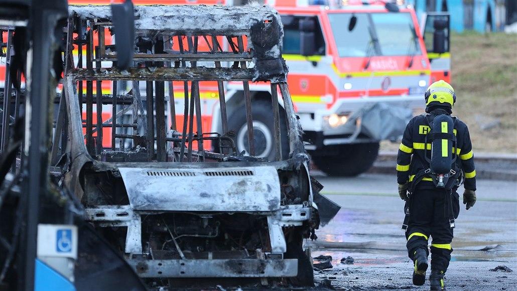 Dopravní podnik Ostrava si autobusy po ničivém požáru více chrání