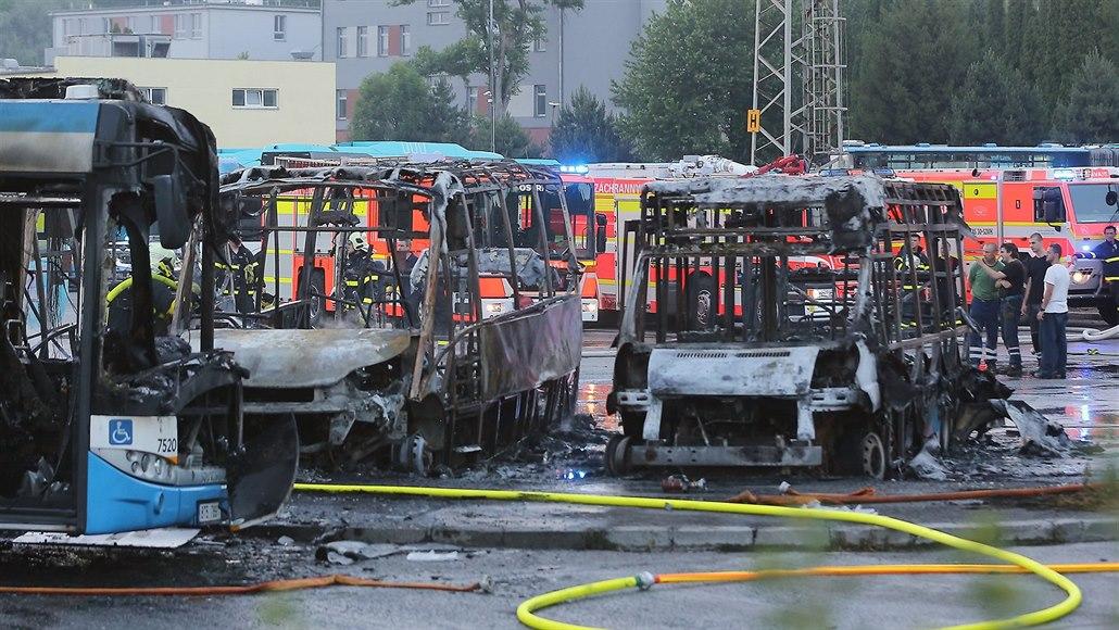 Dopravní podnik v Ostravě po velkém požáru parkuje autobusy dál od sebe