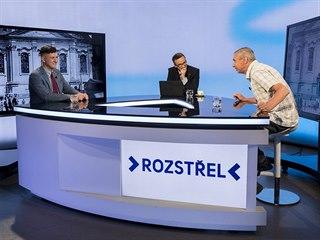 Geofyzik Jiří Šindelář (vpravo) a historik Zdeněk Špitálník v diskusním pořadu...