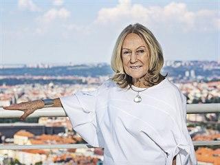 Eva Jiřičná má ateliér v Praze i v Londýně. Podle jejího návrhu vznikla...