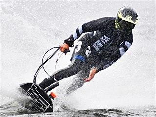 Petr Průcha v závodě jet surfů na  Brněnské přehradě.
