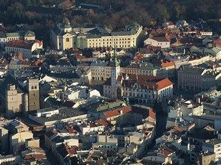 Letecký pohled na centrum Olomouce.