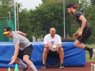 Chomutovští hokejisté během kondičního tréninku