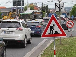 Řidiče v Plzni potrápí další nová uzavírka. Kvůli opravám tramvajové trati je...
