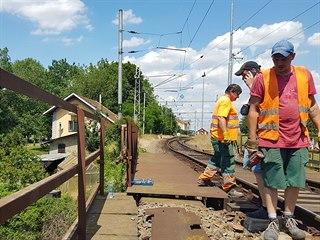 Kvůli narušené statice konstrukce železničního mostu byl zastaven provoz na...