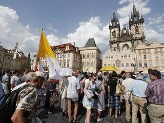 Na Staroměstském náměstí v Praze probíhalo od 16 hodin veřejné shromáždění za...