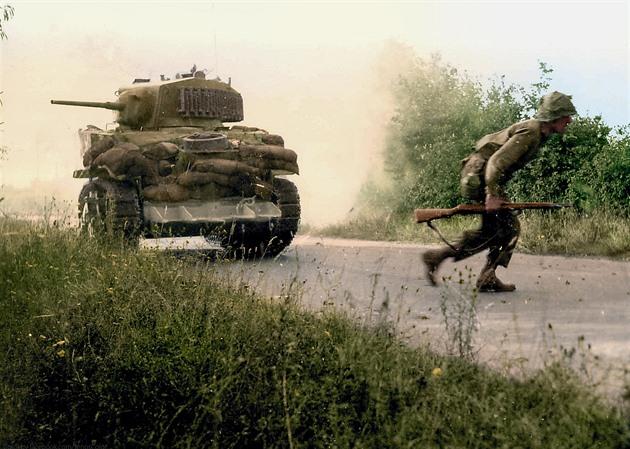 Zelené peklo Normandie. Problém odhalených spodků vyřešil seržant Culin