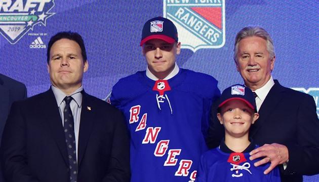 d7a12d2044b07 Kaapo Kakko, kterého si coby dvojku draftu NHL v roce 2019 vybrali New York.