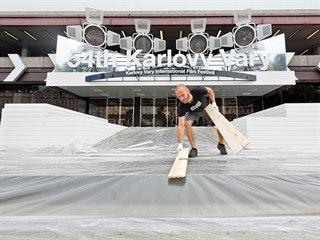 Přípravy na 54. mezinárodní filmový festival v karlovarském hotelu Thermal....