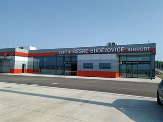 Při druhé etapě modernizace získalo letiště terminál, který je připravený na...