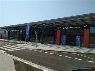 První fáze druhé etapy modernizace letiště stála 121 milionů a druhá 525...