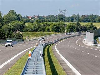 Nový úsek dálnice D3 mezi Bošilcem a Ševětínem měří přes osm kilometrů.