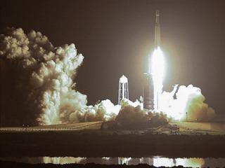 SpaceX poslala do vesmíru Falcon Heavy 25.6.2019 v 8:30 našeho času. Na palubě...