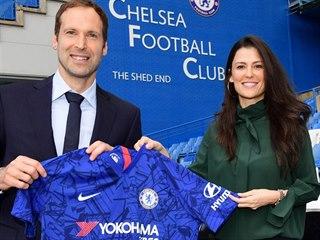 Marina Granovská, ředitelka Chelsea a Petr Čech, nový člen nejužšího vedení...