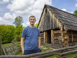 Dřevěné sruby jako expozici tradičního karpatského salašnictví v Hostýnských...