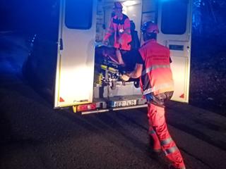 Tři zranění putovali do Chrudimské a Pardubické nemocnice.
