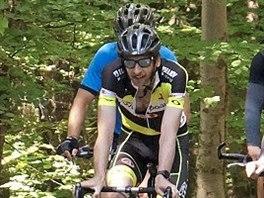 Cyklistickou přípravu si s pardubickými hokejisty vyzkoušel i . generální...